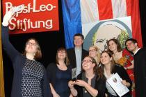 Jugendliche Preisträgerinnen des Papst Leo-Preises